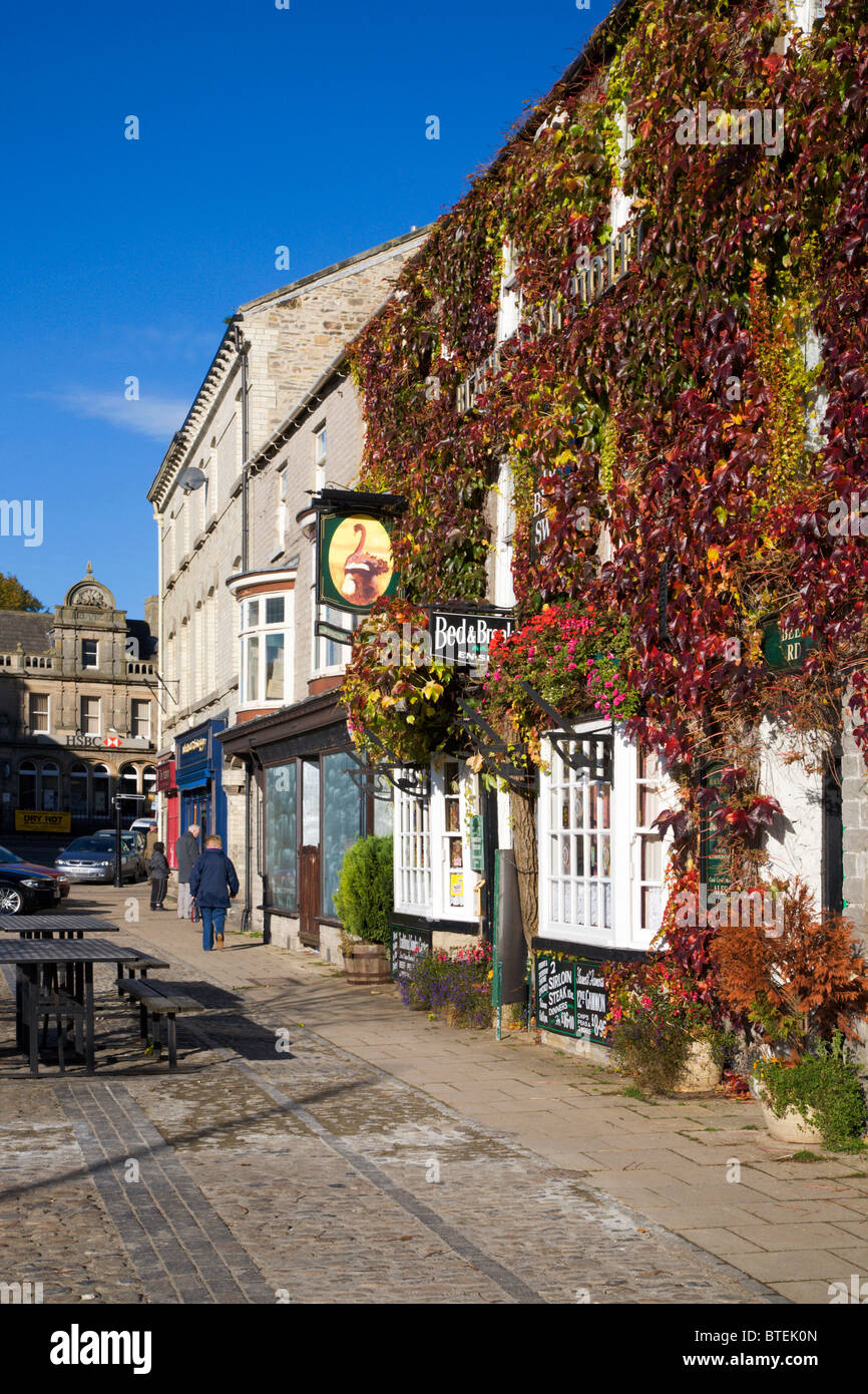 Market Place and Black Swan Hotel Leyburn North Yorkshire England - Stock Image