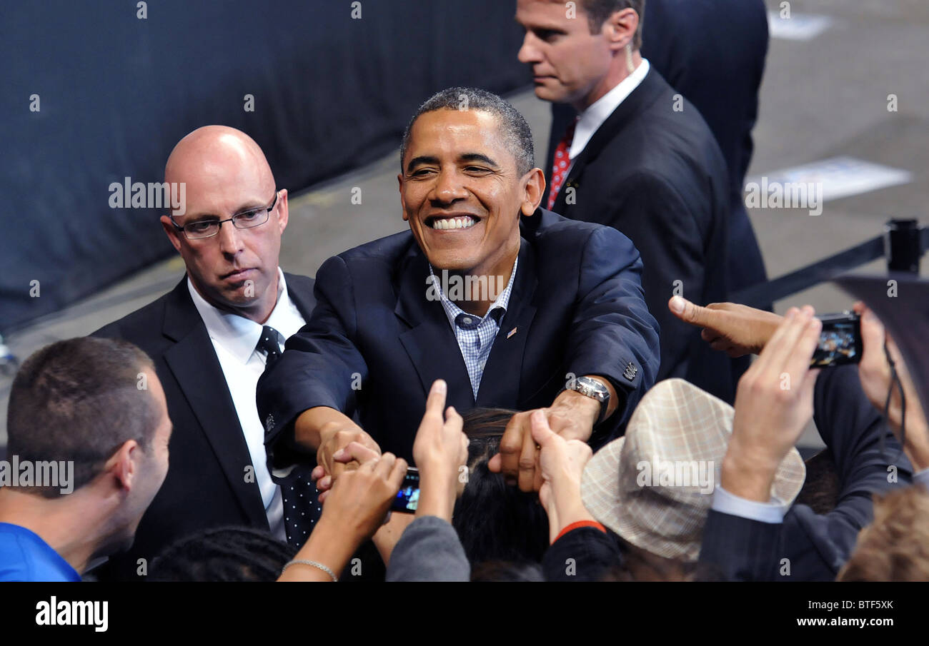 President Barack Obama works the crowd after speaking at a rally supporting Connecticut Democratic Candidates in Stock Photo