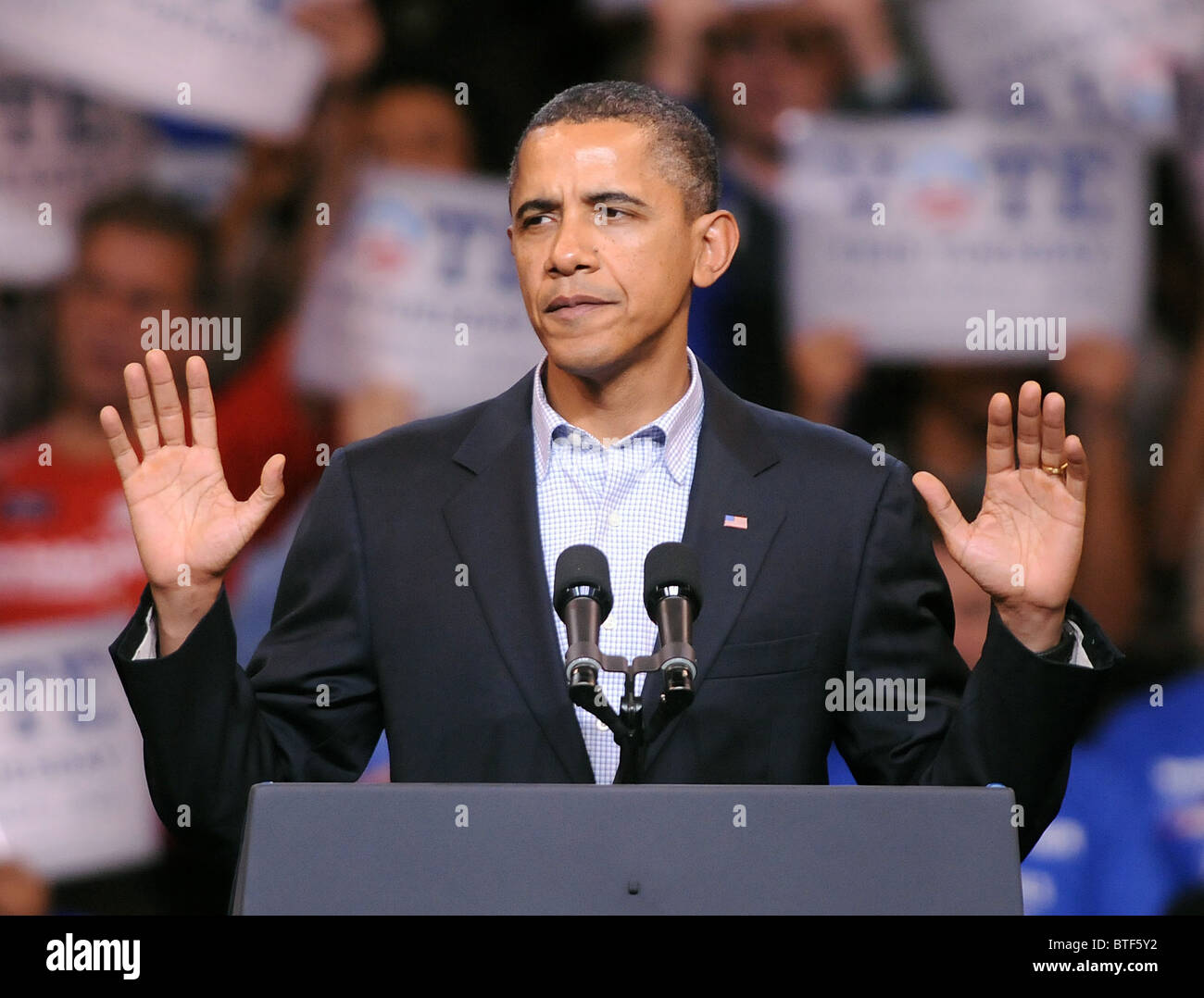 10/30/10 Bridgeport--President Barack Obama speaks at a rally supporting Connecticut Democratic Candidates in Bridgeport - Stock Image