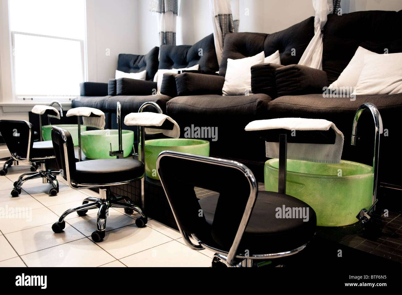 chairs spa pure khaki and no plumbing beauty products salon valentino chair pedicure pediure