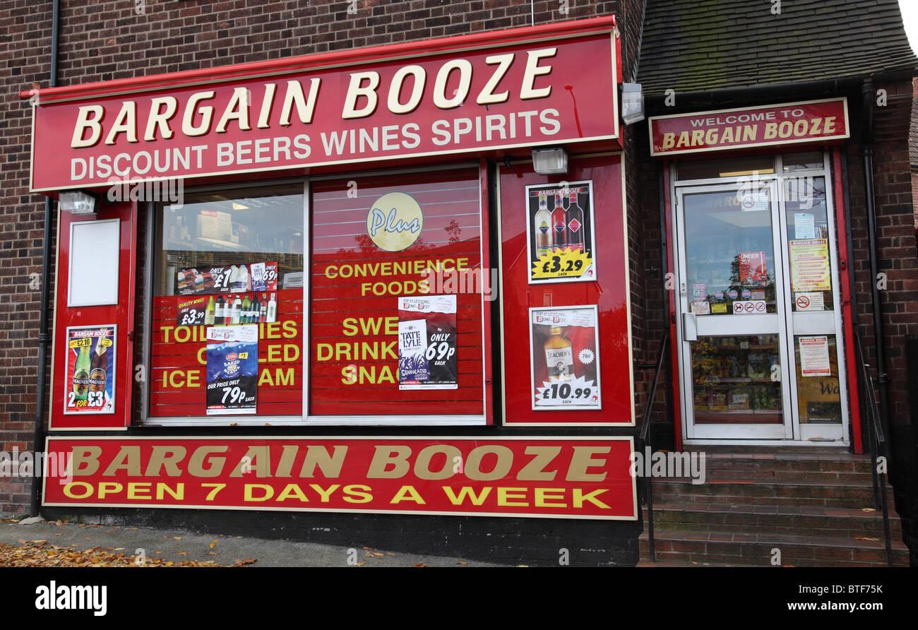 A Bargain Booze store in Nottingham, England, U.K. - Stock Image