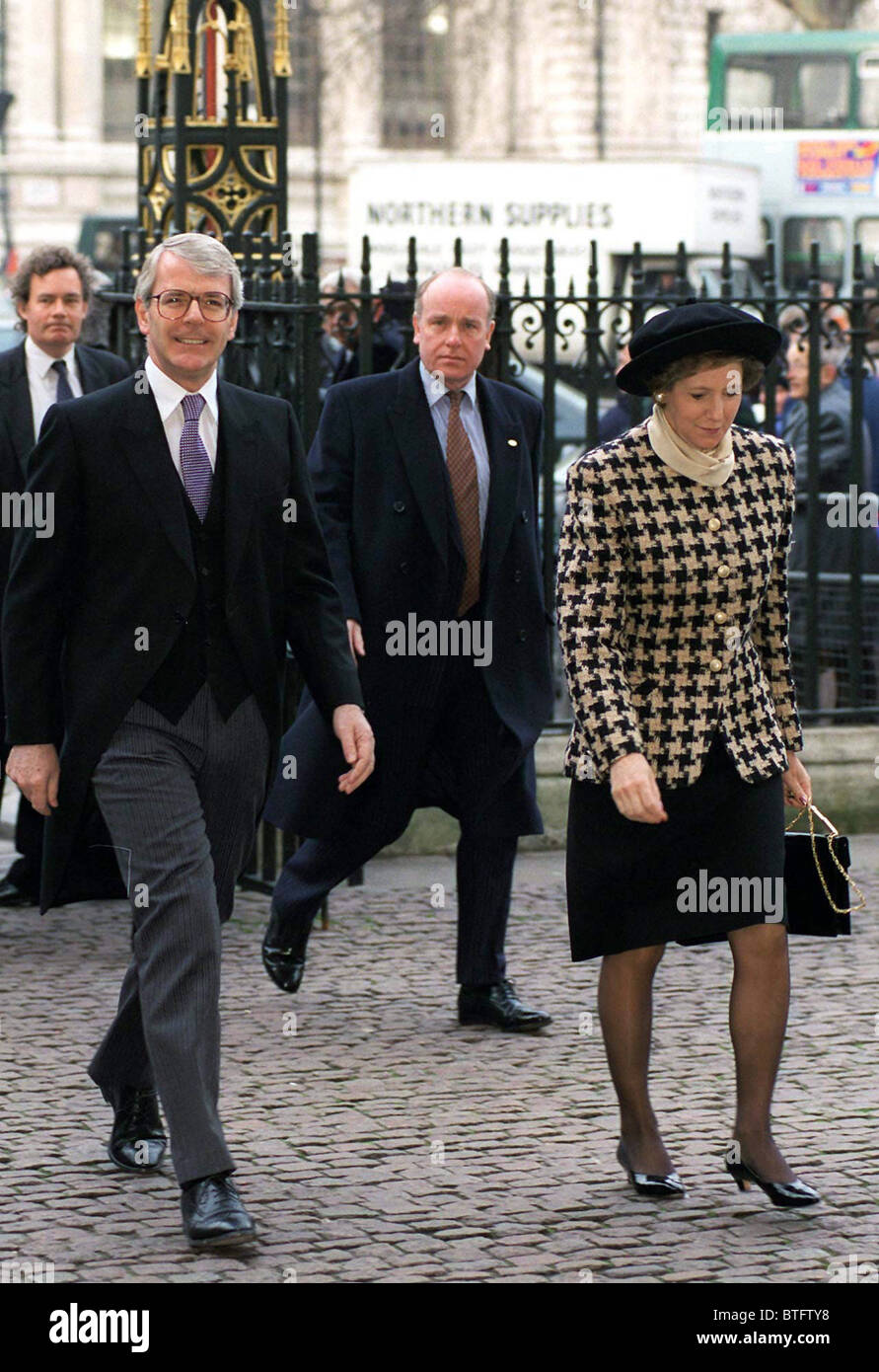 JOHN MAJOR AND HIS WIFE NORMA AT Westminster Abbey FOR MEMORIAL SERVICE FOR LORD HOME - Stock Image