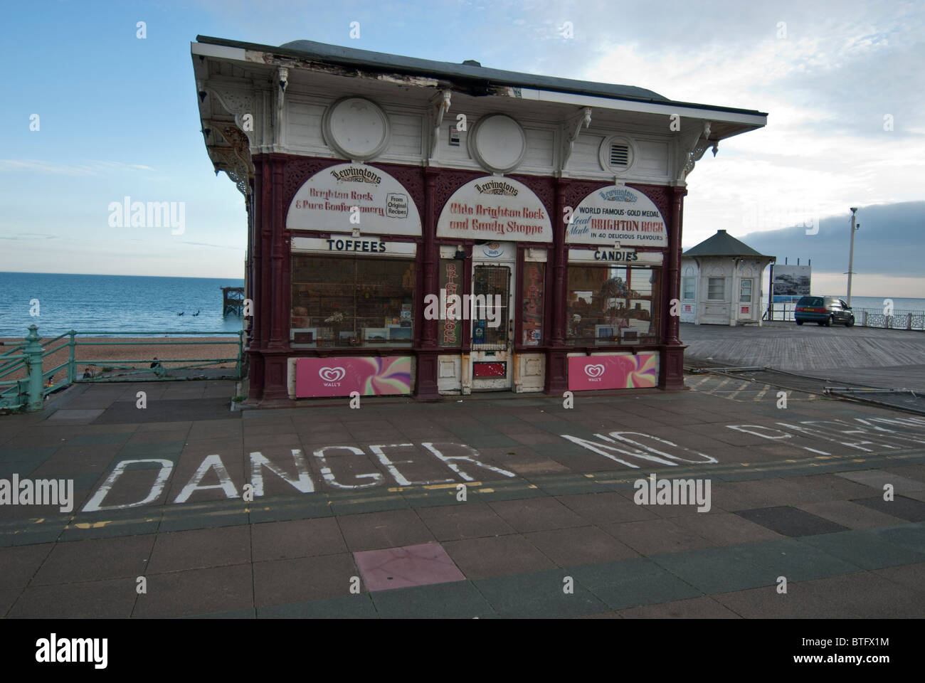 'Lewingtons 1827 old Brighton Rock and Candy shoppe' shop on Brighton Sea front, esplanade. East Sussex - Stock Image