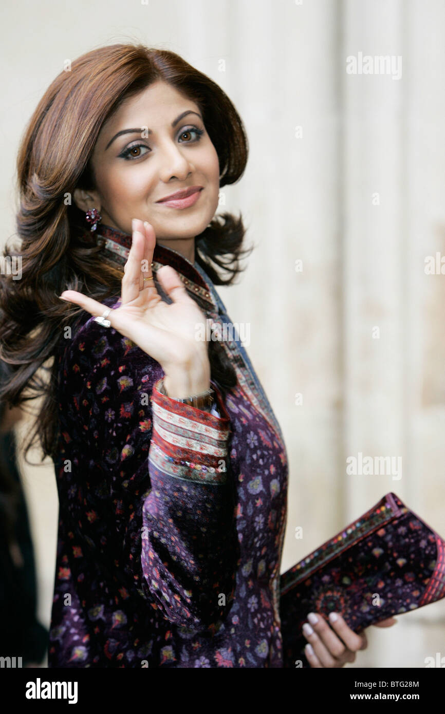 Shilpa Shetty Indian film actress star of Bollywood movies wears velvet sherwani for Commonwealth Day service Westminster Stock Photo