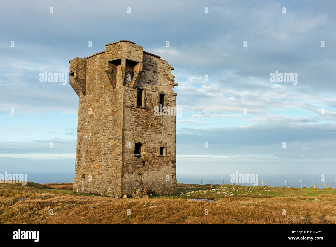 The An Tur Watch Tower above Glencolmcille, County Donegal, Ulster, Ireland. - Stock Image