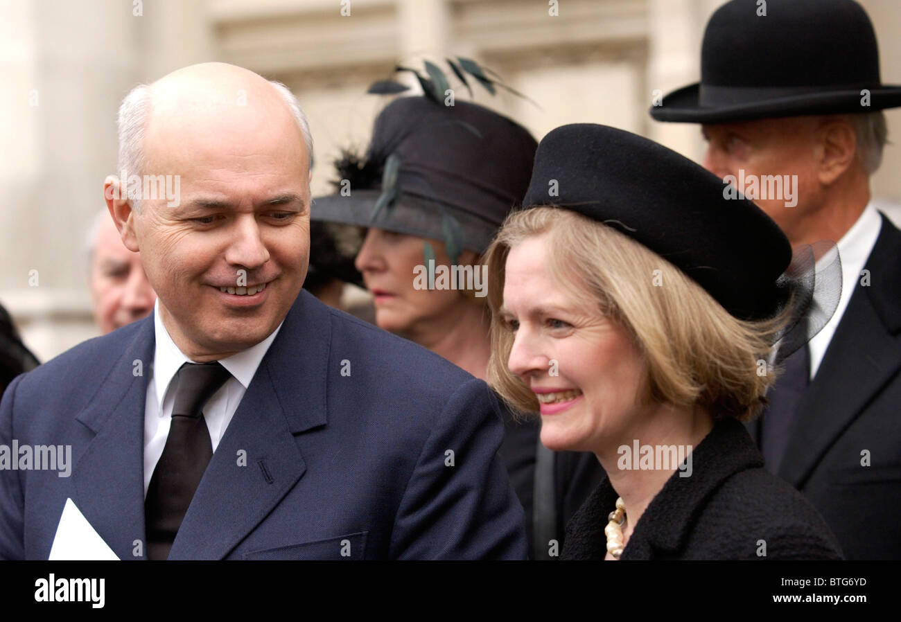 Conservative Leader (Leader of the Opposition) Iain Duncan Smith and his wife Betsy at memorial service at Westminster - Stock Image