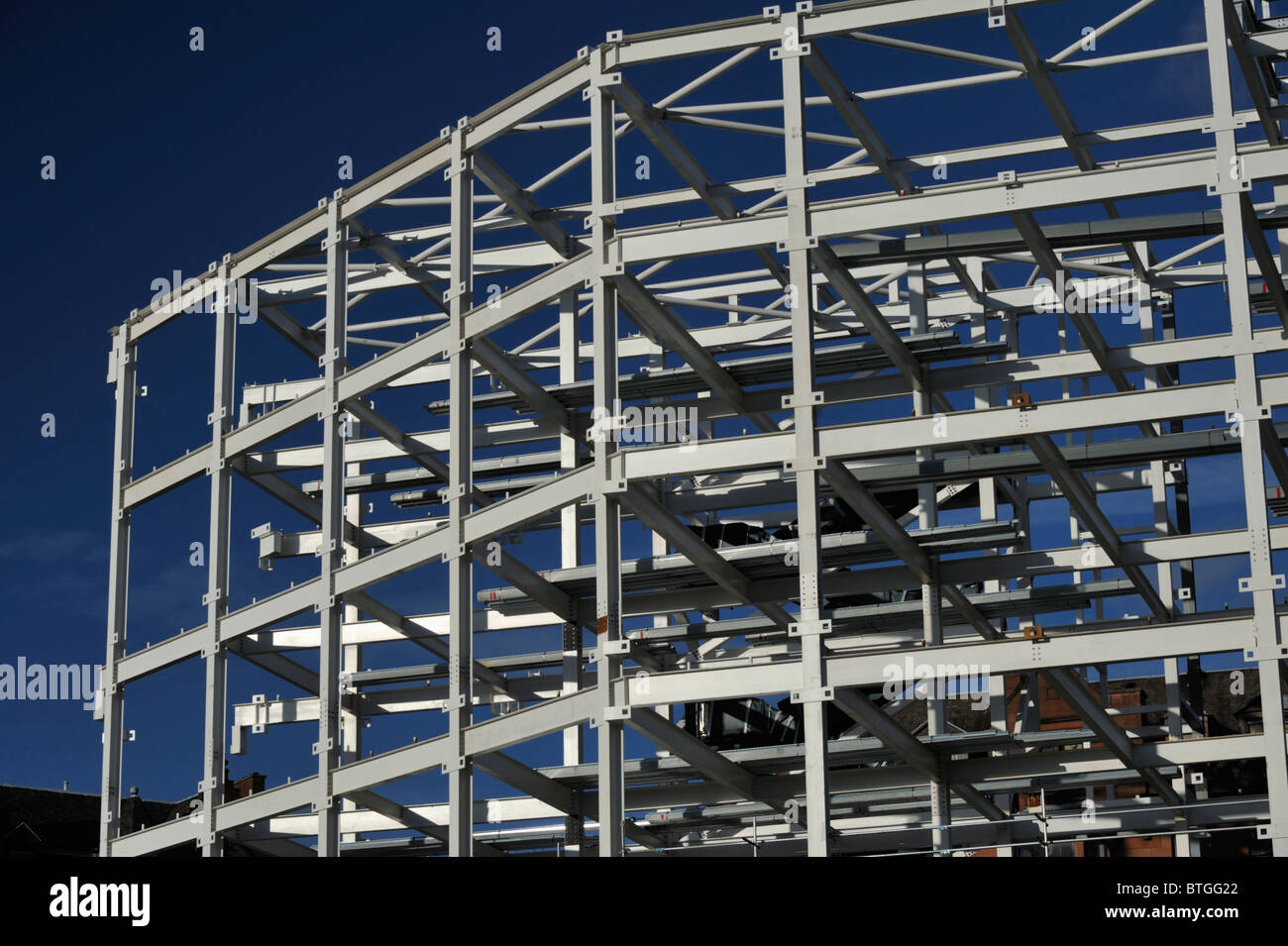 Multi-storey building construction, steelwork. High Street, Glasgow, Scotland, United Kingdom, Europe. - Stock Image