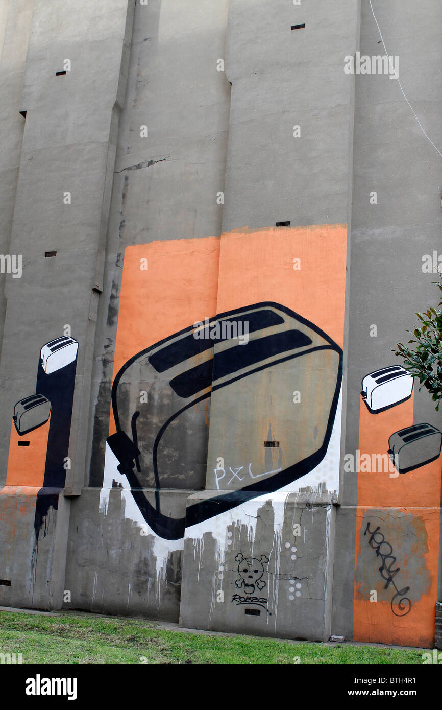 toaster stencil graffiti street art in Shoreditch London, urban art, art, street artist, modern - Stock Image
