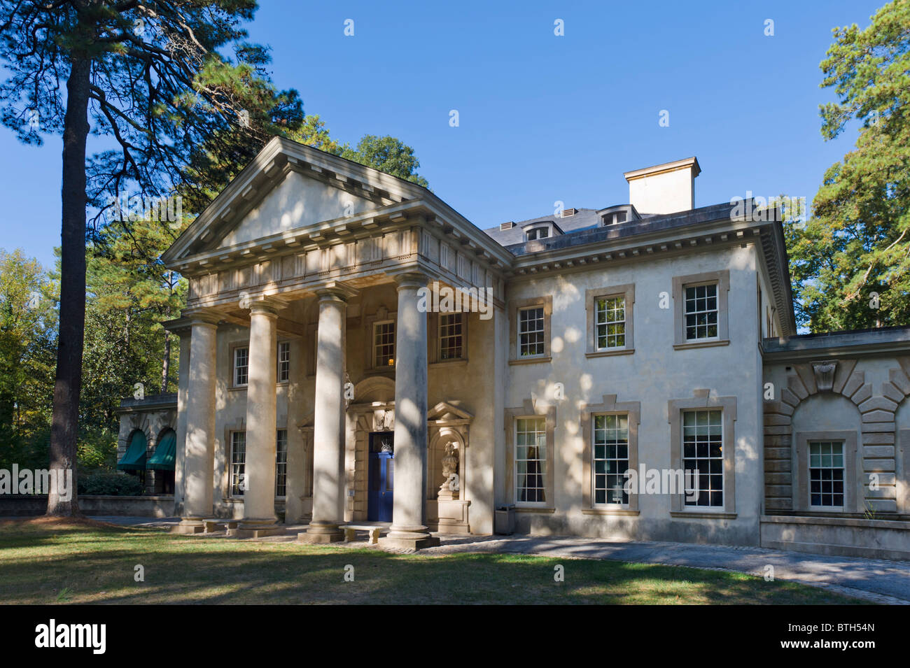 The Swan House, an early 20th Century Buckhead mansion now part of the Atlanta History Center, Buckhead, Atlanta, - Stock Image