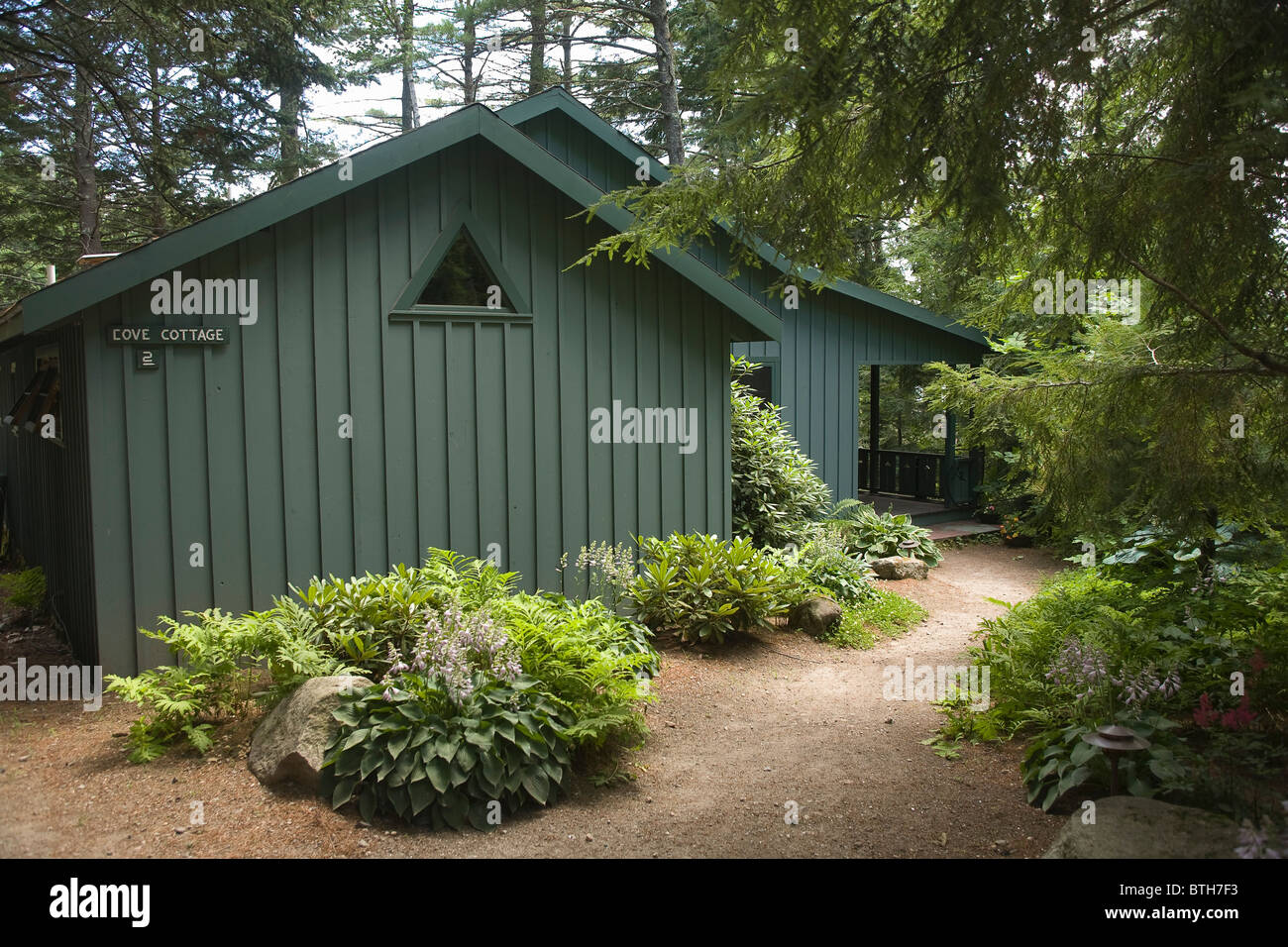 cabin in resort cozy sebago maine waterfront cabins designs cottages rentals lake