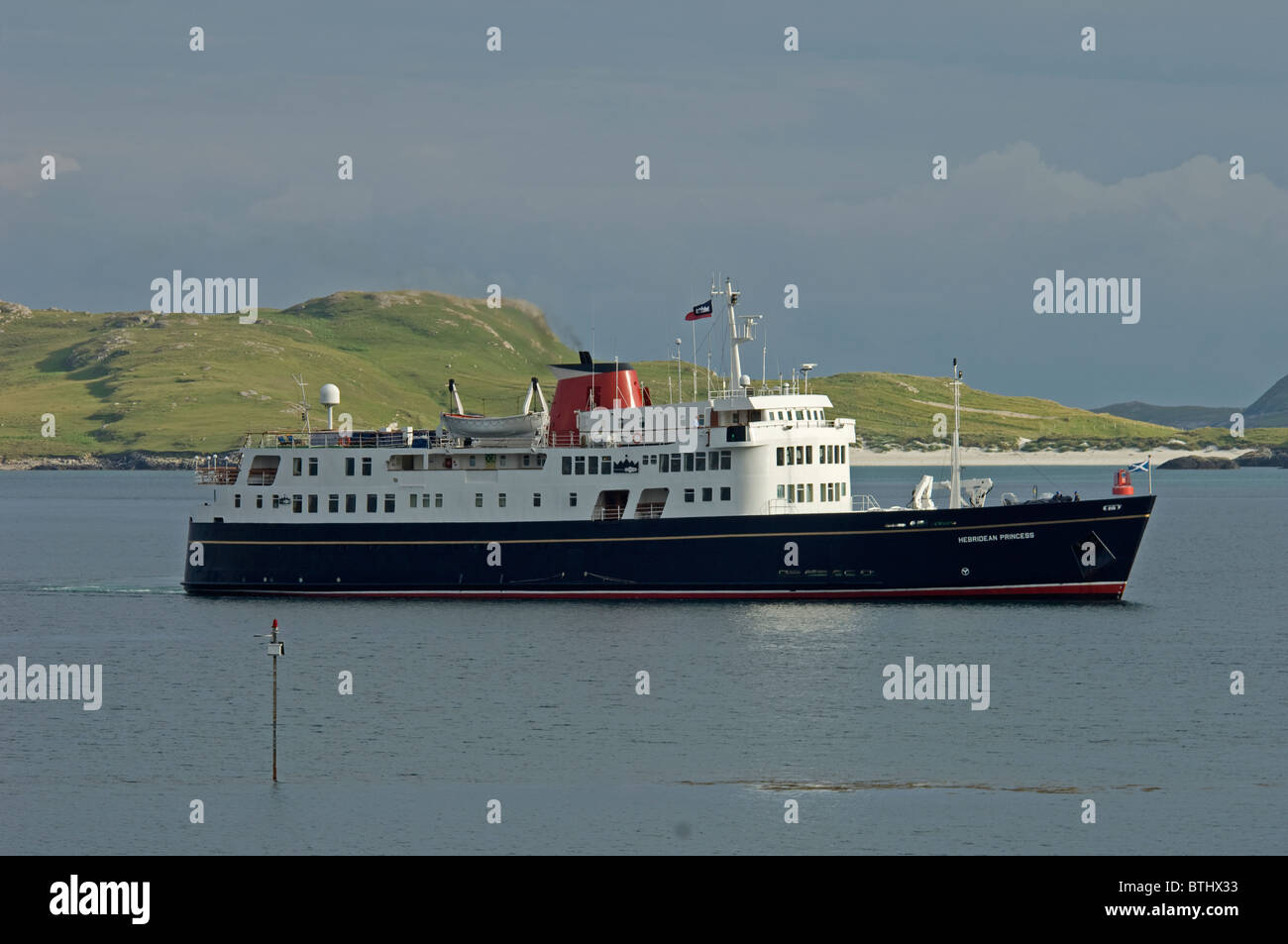 The Small Luxury Cruise ship arriving in Castlebay Isle of Barra, Outer Hebrides, Scotland.  SCO 6680 Stock Photo