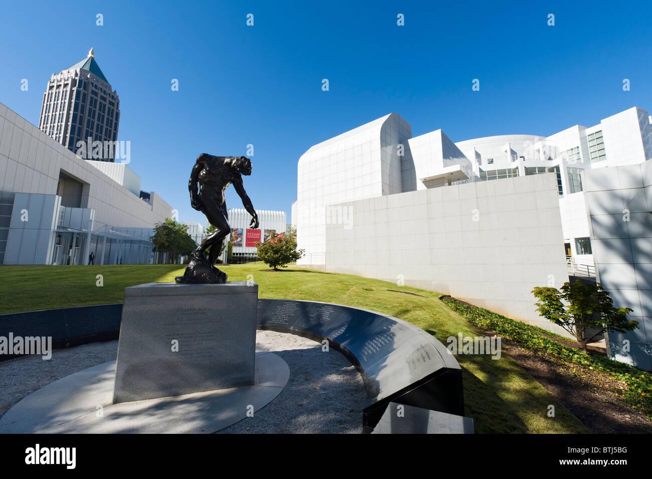 The High Museum of Art with Rodin sculpture 'The Shade' in the foreground, Woodruff Arts Center, Midtown - Stock Image