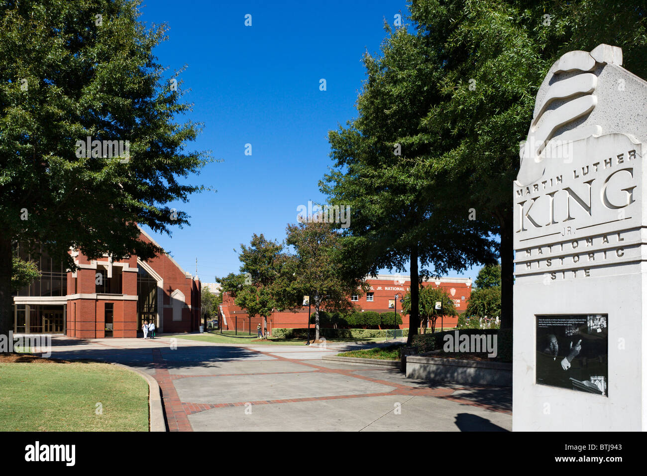Entrance to the Martin Luther King Jnr National Historic Site with the new Ebenezer Baptist Church behind, Atlanta, - Stock Image