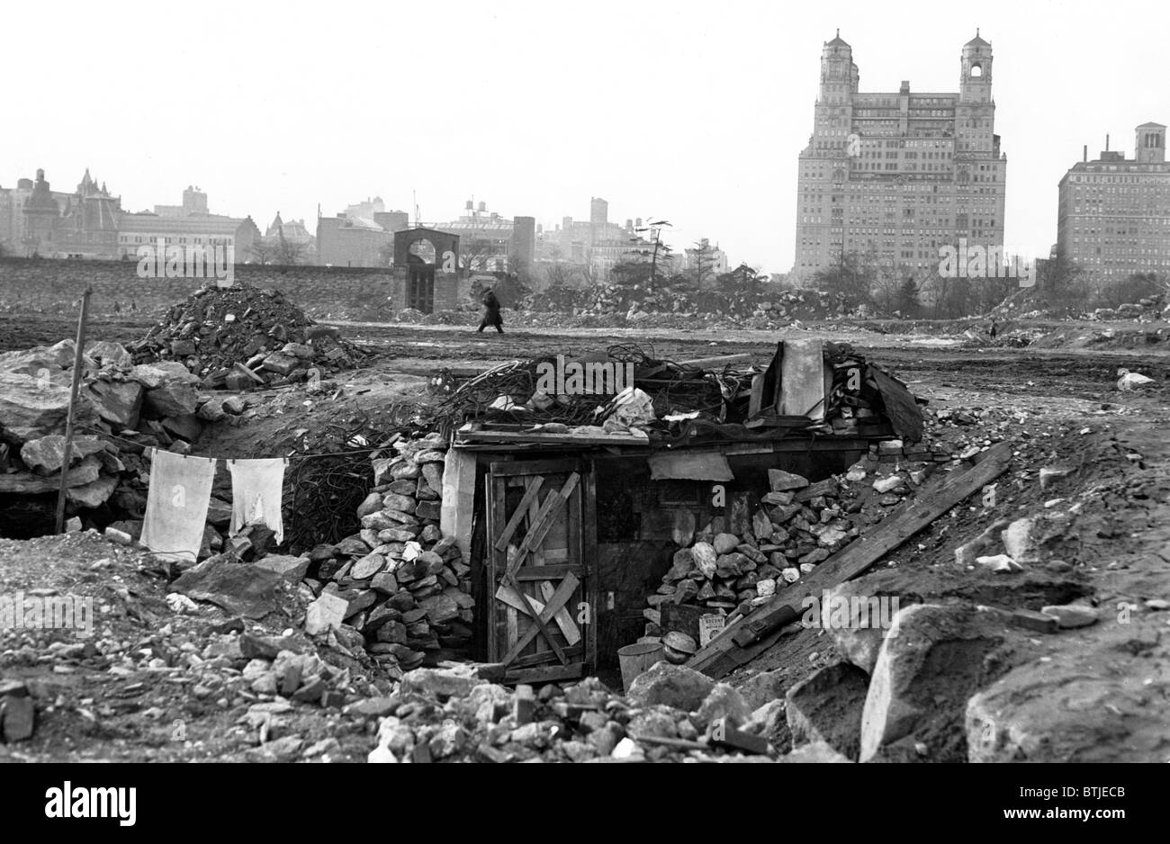 Great Depression, Shantytown on the site of the old Central Park Reservoir, New York City, N.Y., December 1931 - Stock Image
