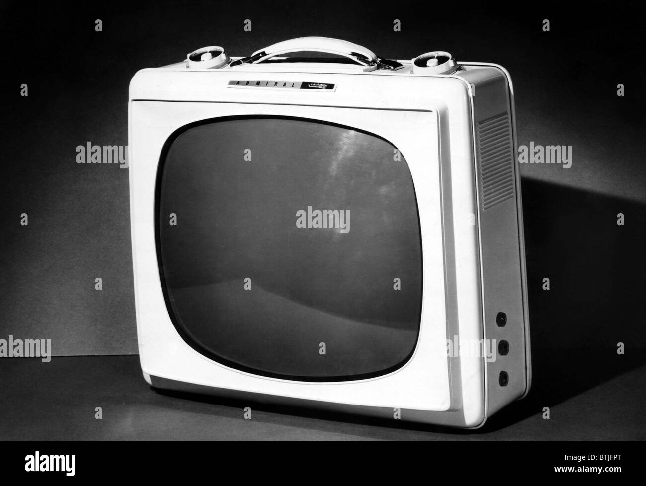 An early portable television set from Admiral Corporation, circa 1959. CSU Archives/Courtesy Everett Collection - Stock Image