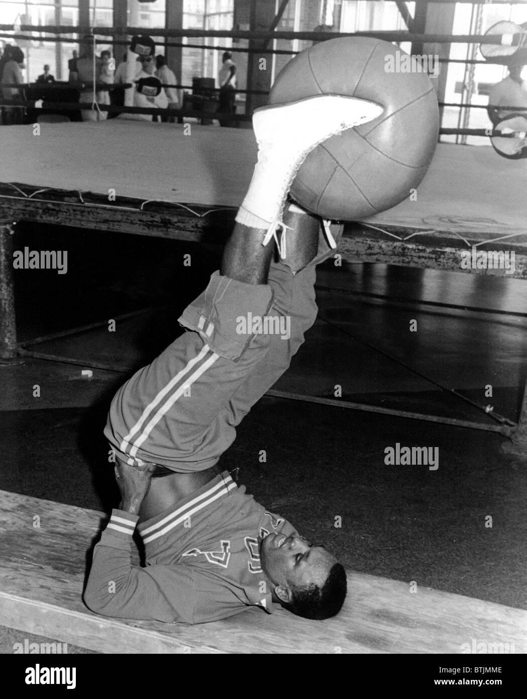 Joe Frazier in training at the Concord Hotel for bout with Oscar Bonavena, Kiamesha Lake, NY 9/13/1966 - Stock Image