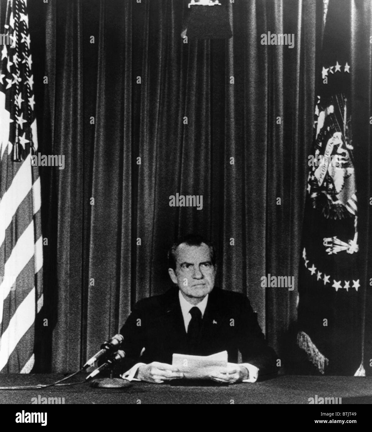 U.S. President Richard Nixon going on national television from the White House to announce his resignation, Washington - Stock Image