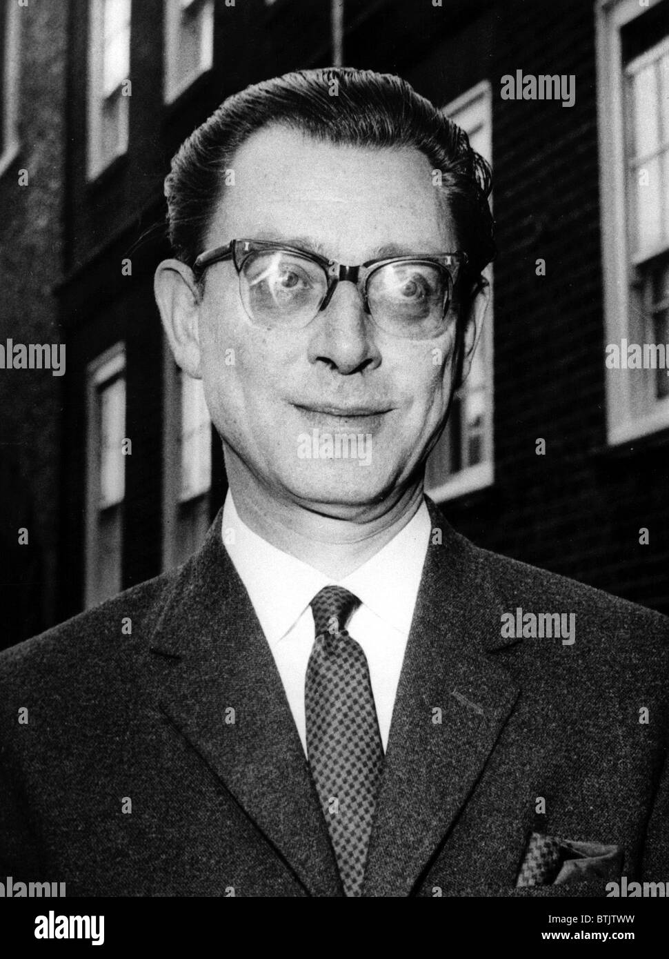 Dr. Stephen Ward, on trial on morals charges,  outside the Old Bailey, London, July 22, 1963 - Stock Image