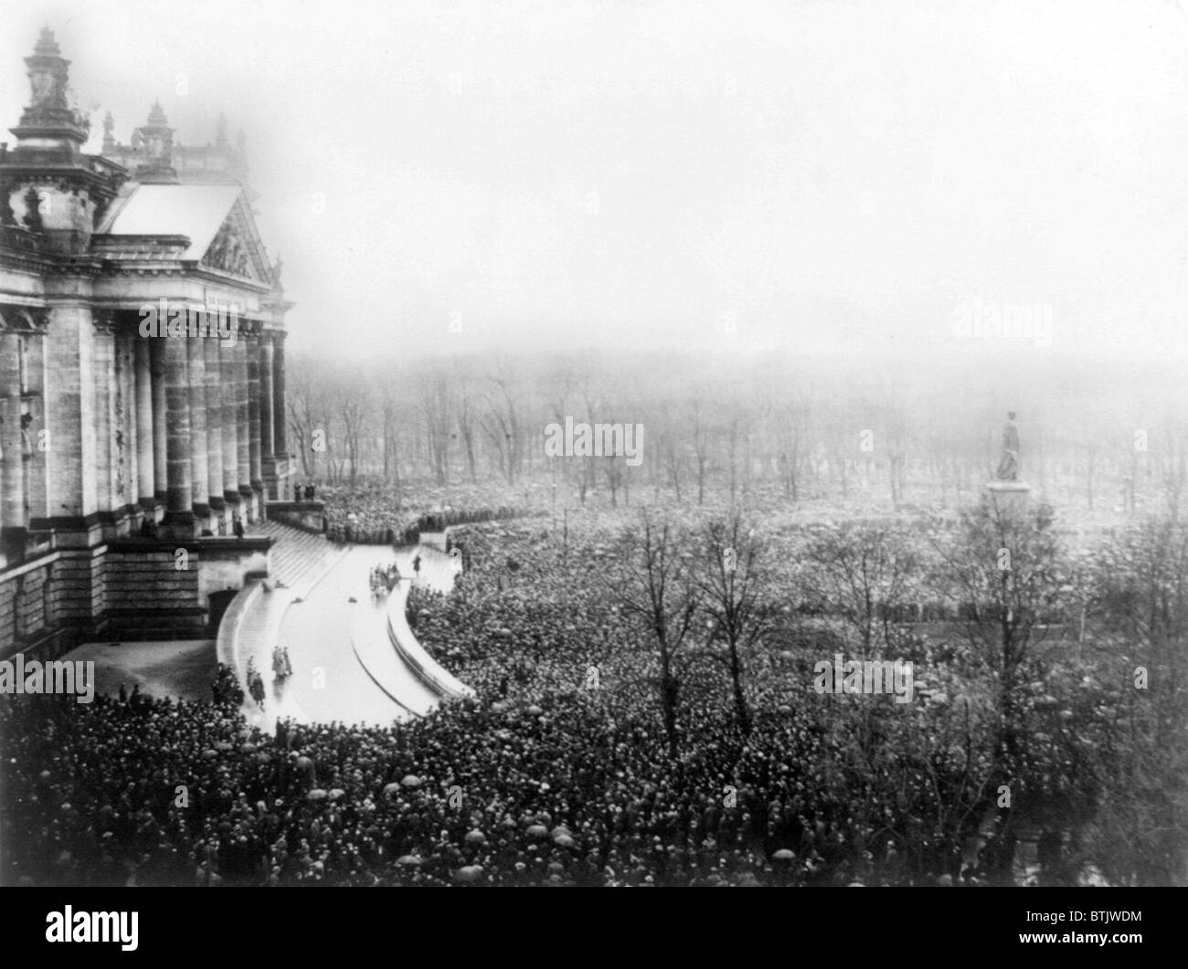 Berlin, demonstrations on the re-opening day of the National convent, the 13th of January (in front of the Reichstag) - Stock Image