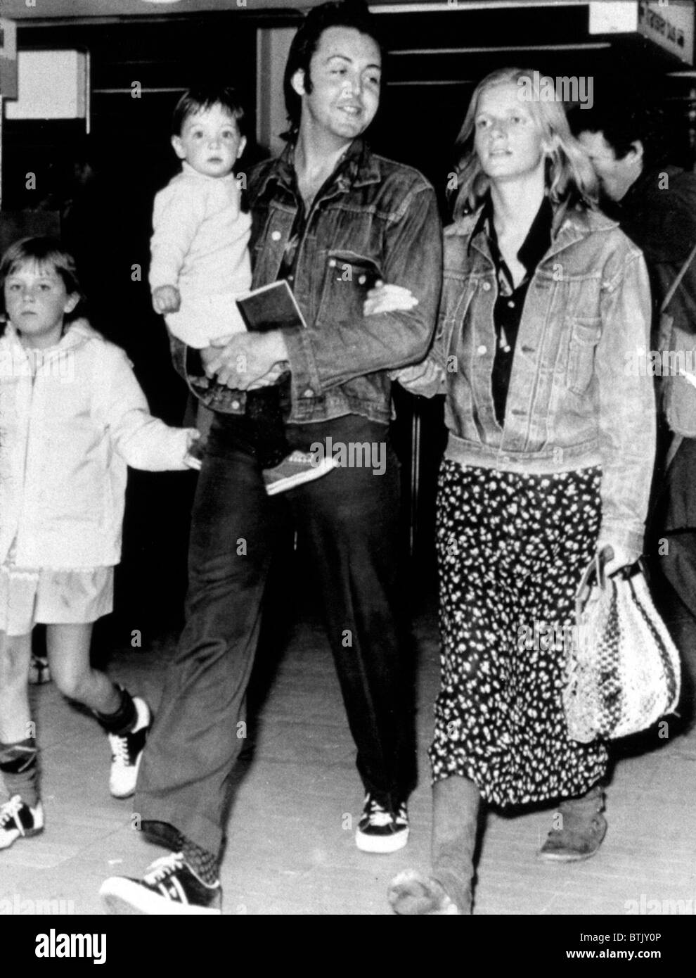 Paul And Linda McCartney With Children Heather Mary At Airport 1971