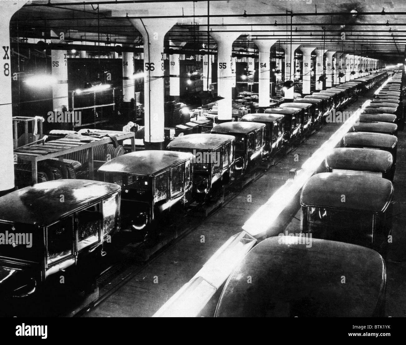 Ev1803 early ford motor company assembly line c 1920s