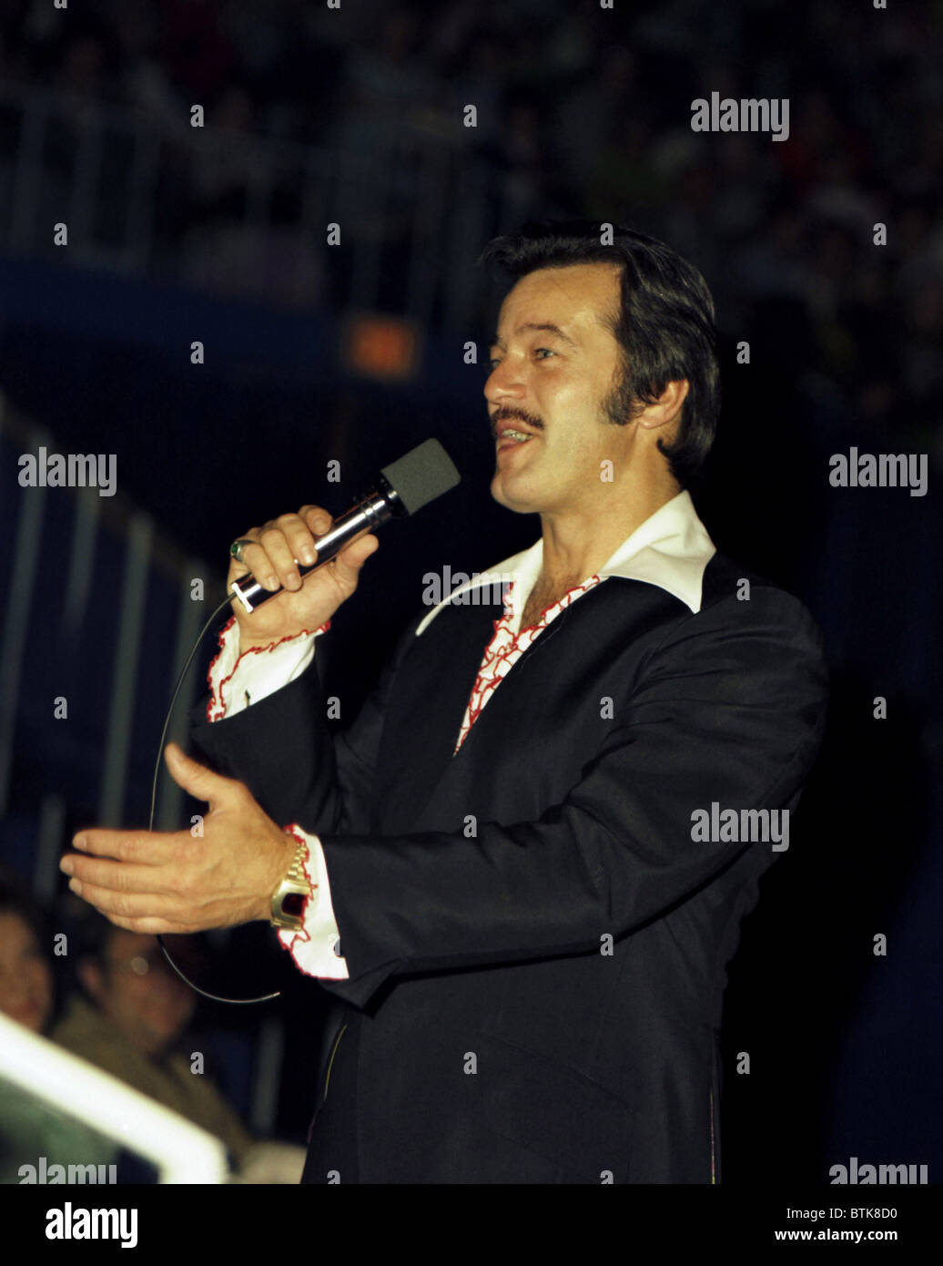 Robert Goulet, 1974, Millrun Playhouse Theater in the Round, Niles, Illinois. - Stock Image
