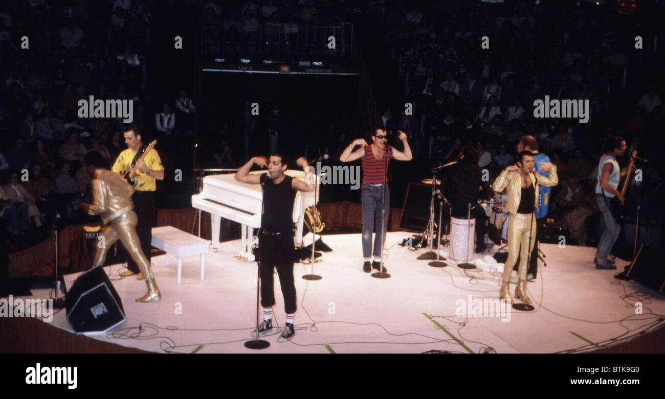 Sha na na stock photos sha na na stock images alamy sha na na 1981 millrun playhouse theater in the round niles fandeluxe Choice Image
