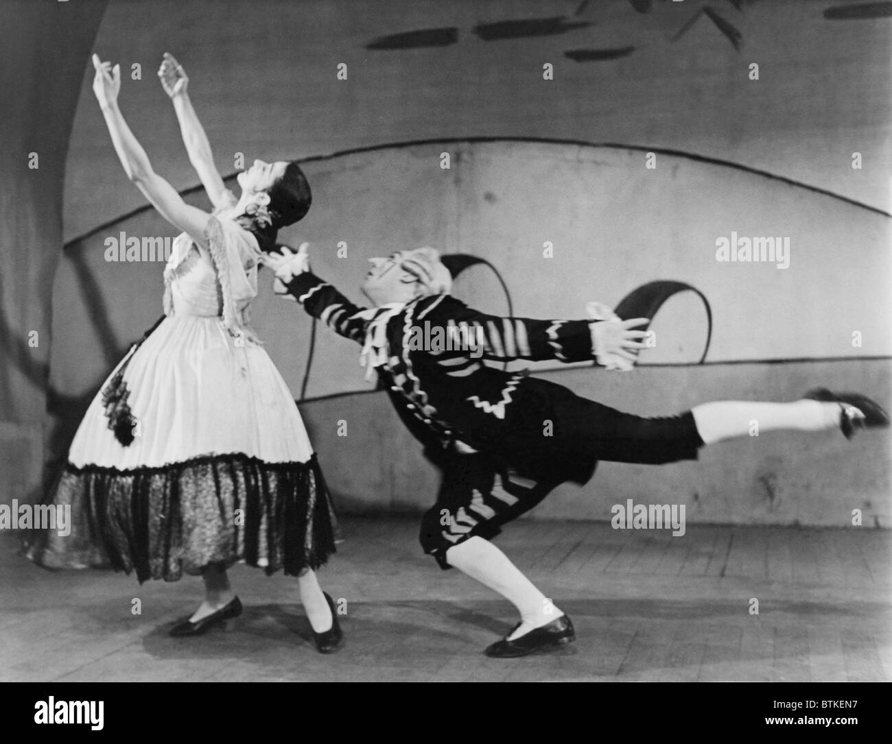 Margot Fonteyn (1919-1991), and John Hart (b. 1921) performing the ballet THREE CORNERED HAT, produced by Sadlers - Stock Image