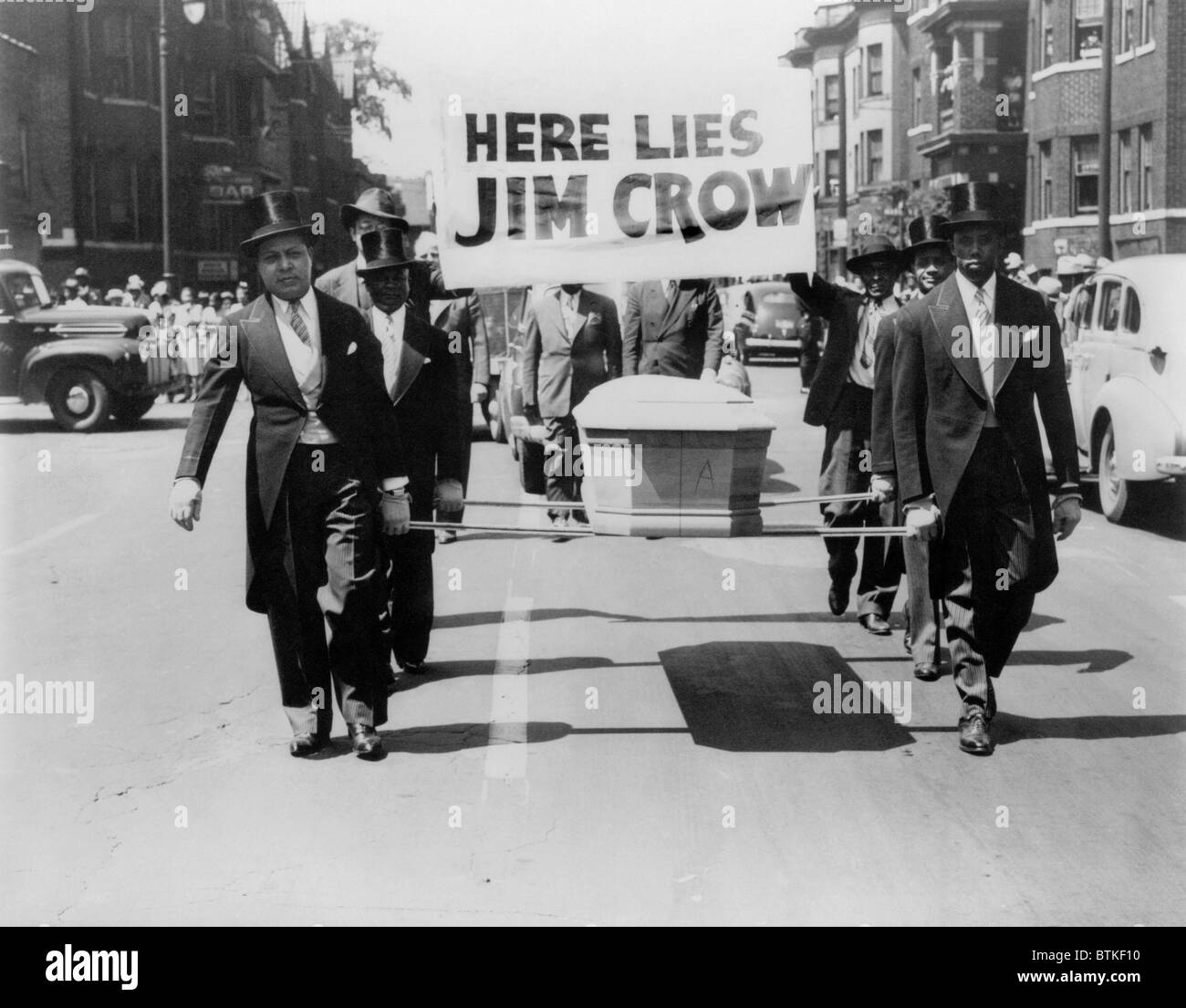 Civil rights demonstration in a NAACP Detroit branch PARADE FOR VICTORY,  1944. Six African American men in top - Stock Image