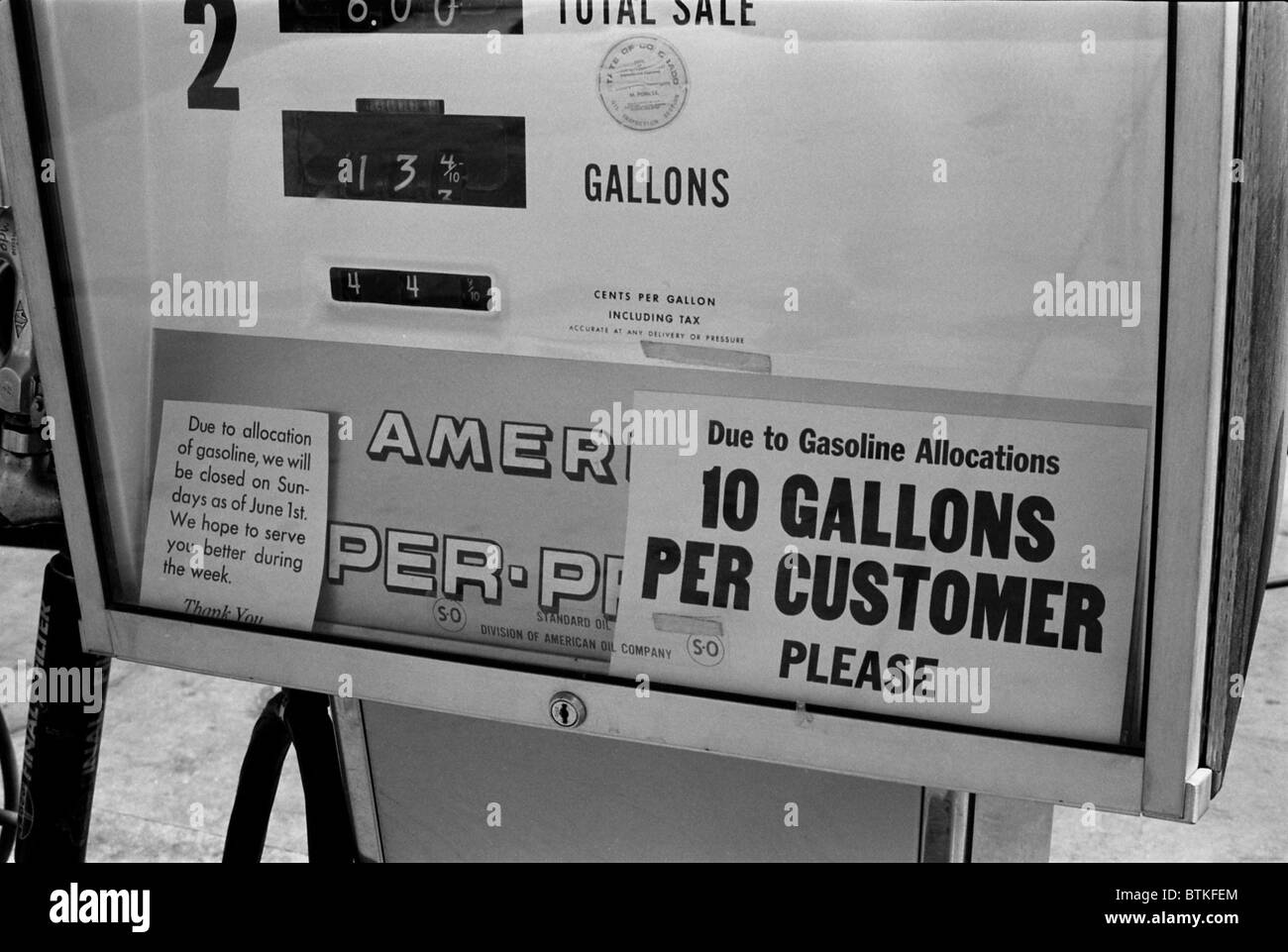 Gas pump restricting gas purchases to 10 gallons during the first Oil Crisis of 1973. Denver, Colorado, August 1973. - Stock Image