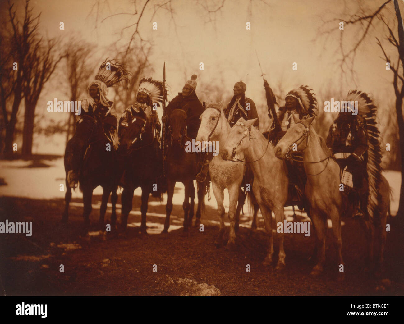 Native American Tribal Leaders In Costume And On Horseback Left To Stock Photo Alamy