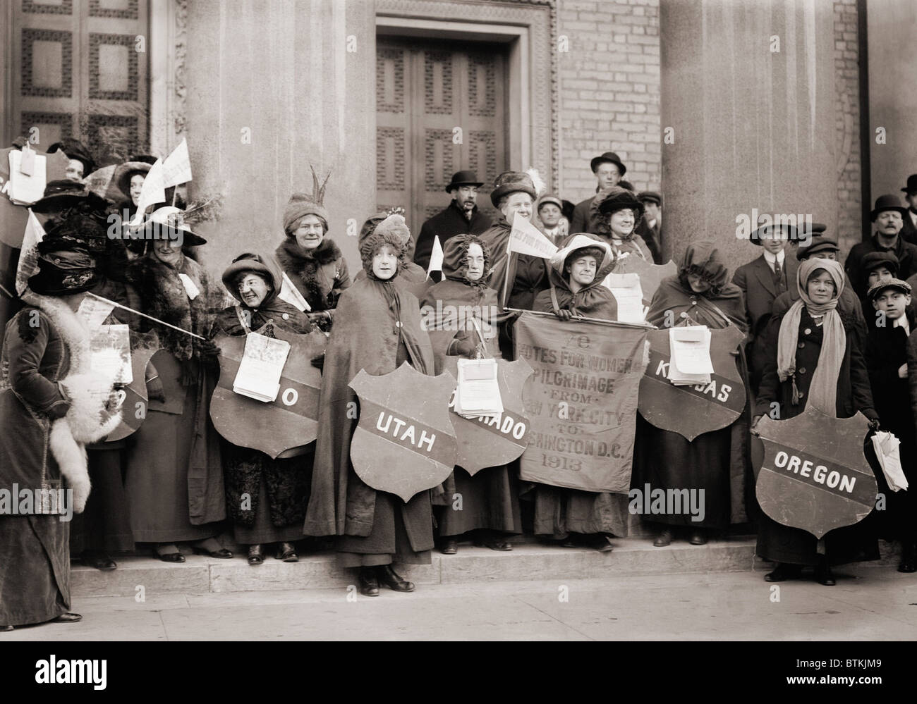 Women's Suffrage hikers who took part in the walk from New York City to Washington, D.C. to join the National - Stock Image