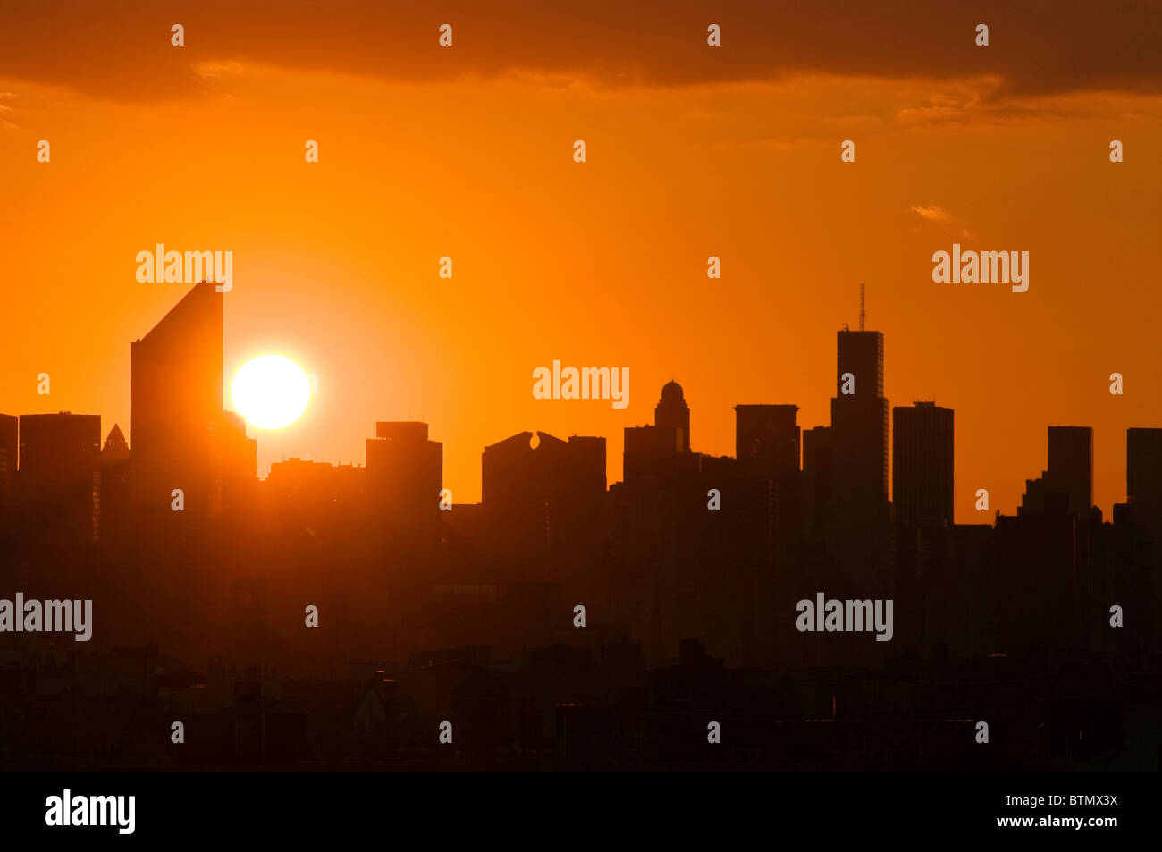 Skyline of Midtown Manhattan with the Citicorp Center, at sunset, New York City. - Stock Image