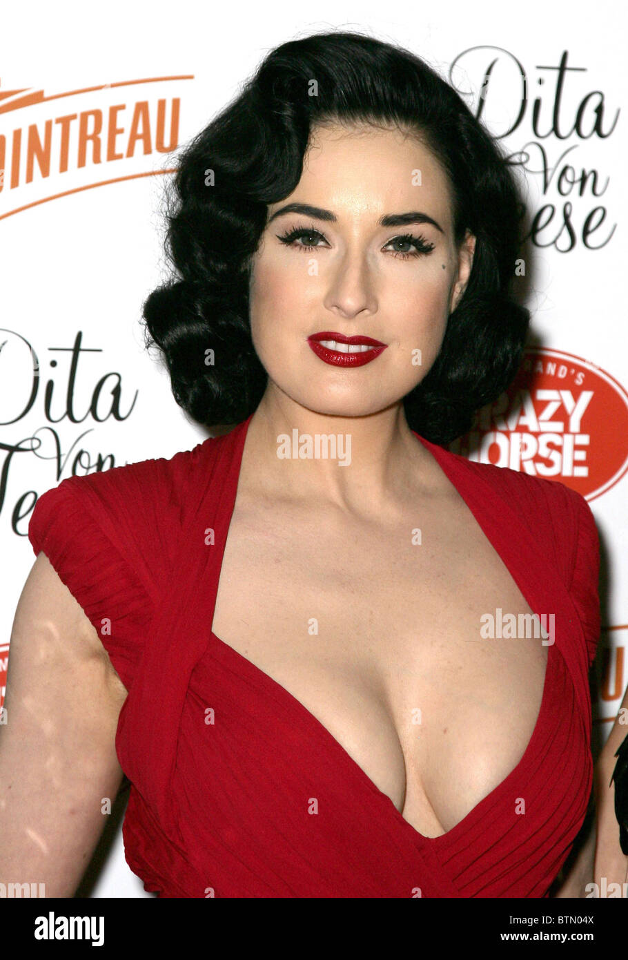 Cleavage Dita Von Teese naked (67 photos), Pussy, Cleavage, Boobs, butt 2018