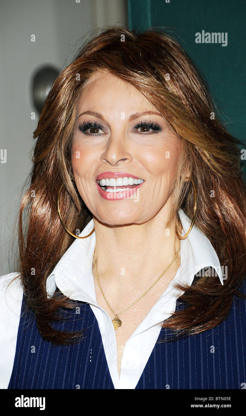 Cleavage Cleavage Raquel Welch naked photo 2017