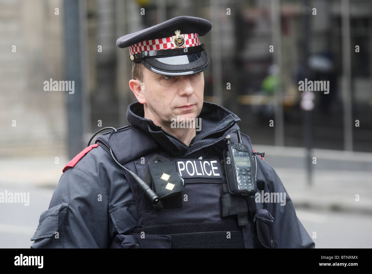 G20 Police Officer ordered press contingent to leave an area within the City of London or be arrested during G20 - Stock Image