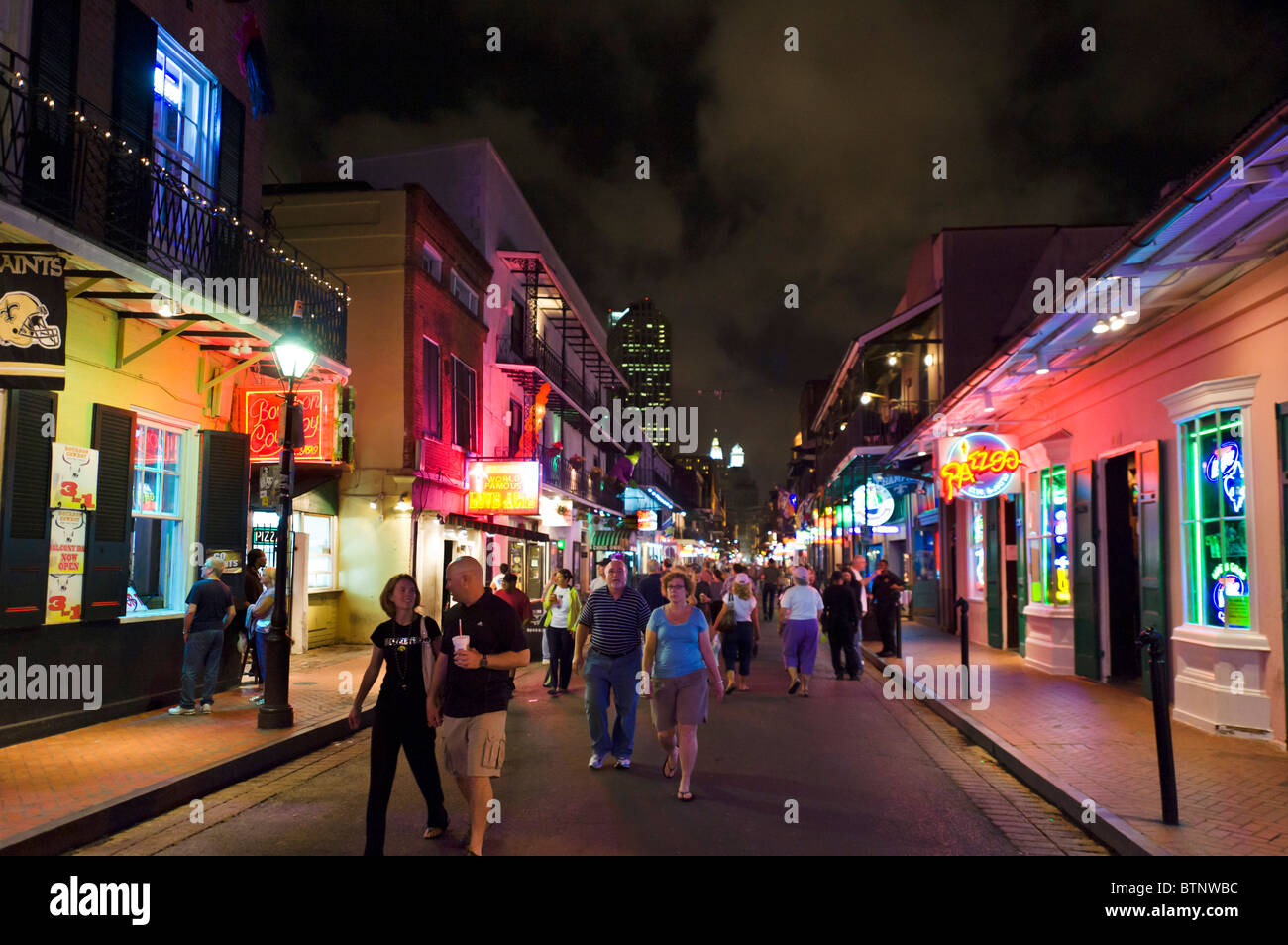 Bourbon Street at night, French Quarter, New Orleans, Lousiana, USA - Stock Image