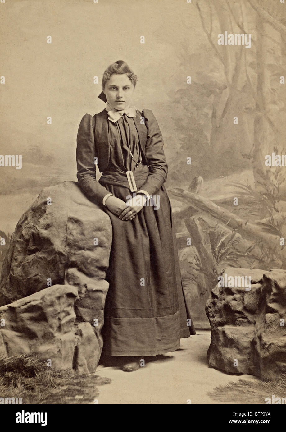 f1aa1dd89 Vintage 1890's portrait photo of a young girl dressed in period ...