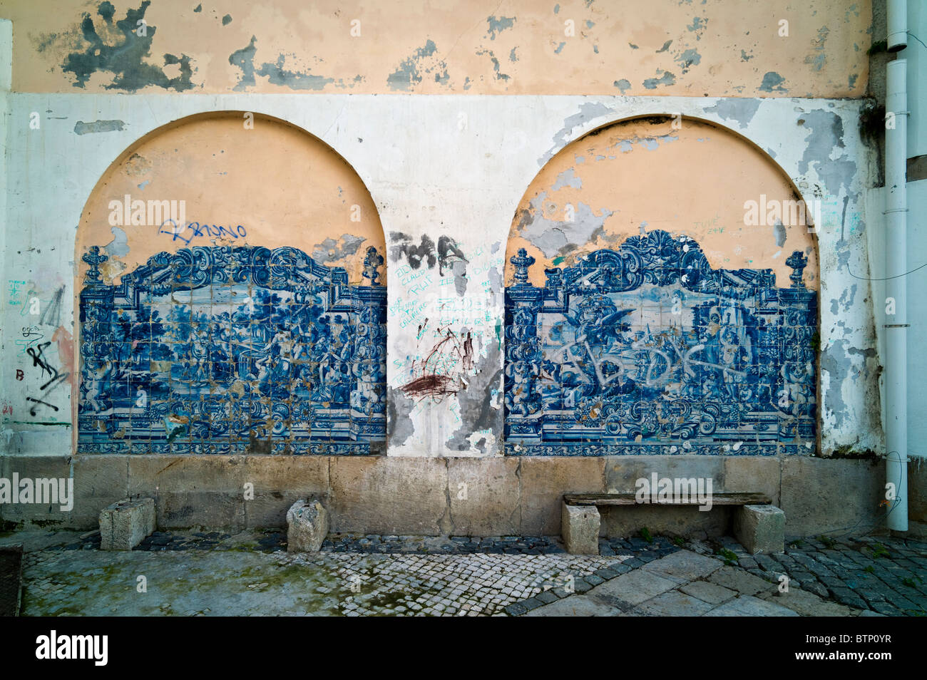 Dilapidated corner of the Alfalma district, Lisbon - Stock Image
