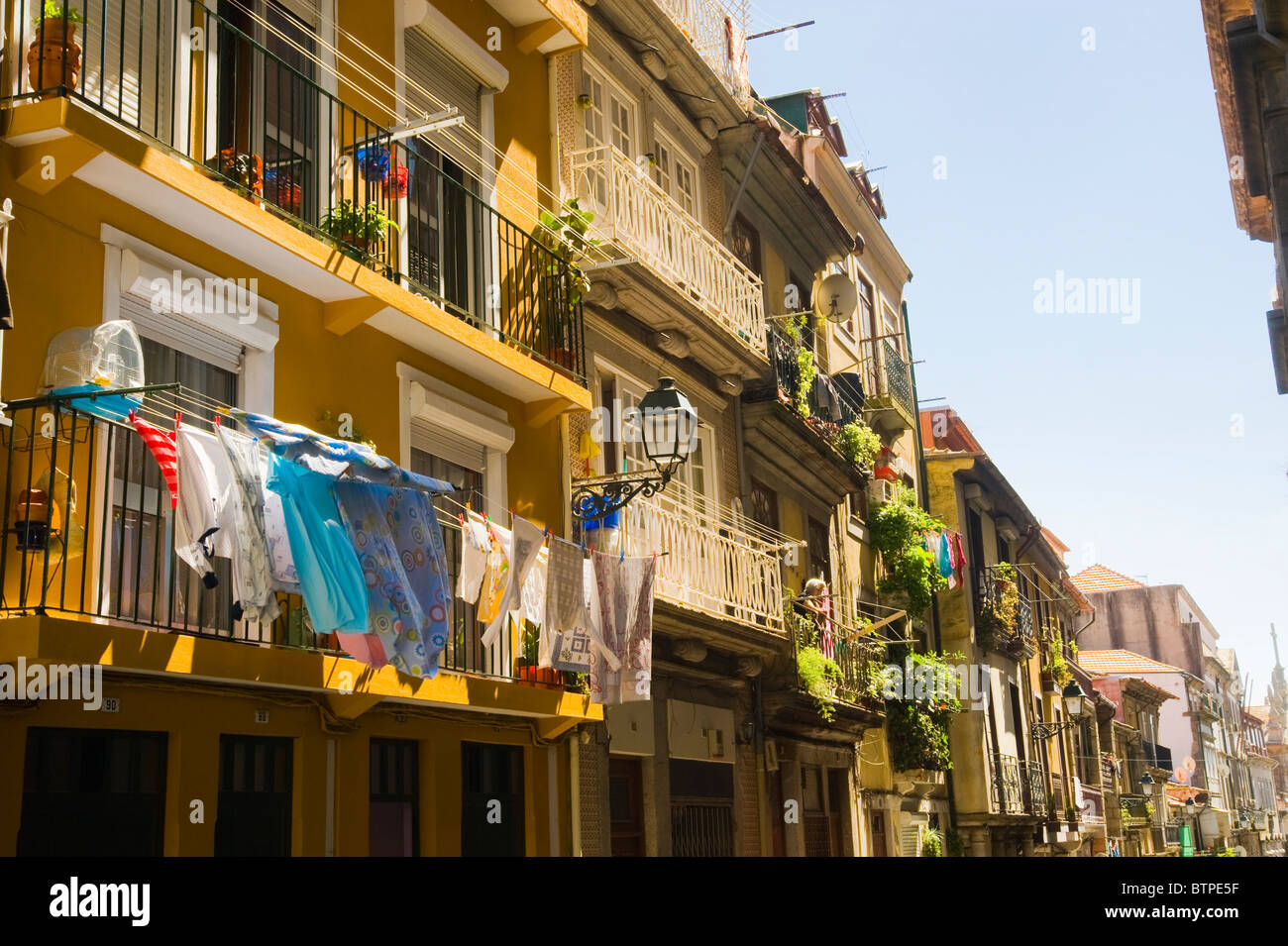 Clothes drying, Traditional Buildings, Porto, Portugal - Stock Image