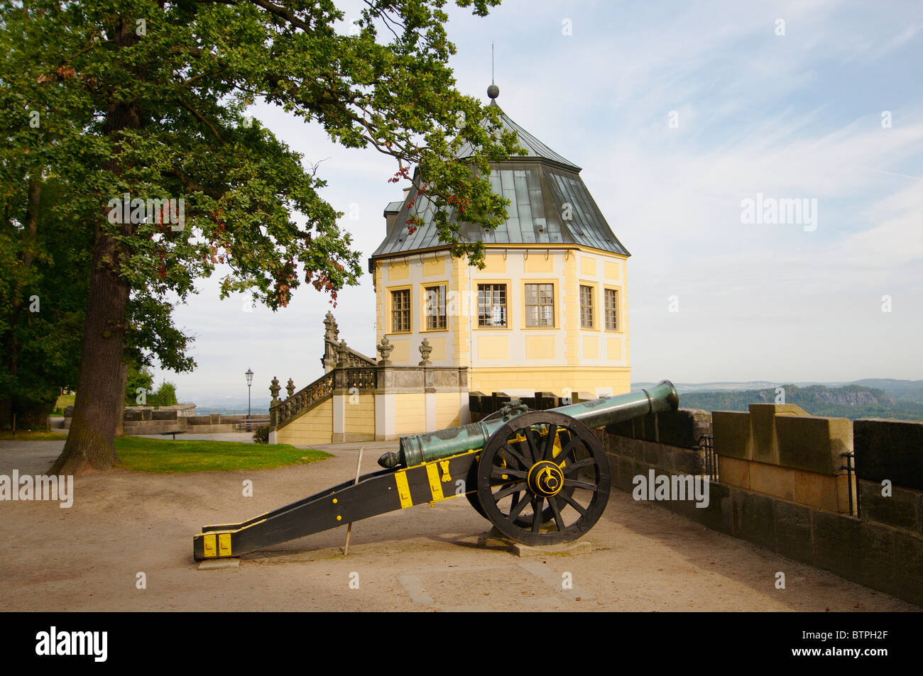 Germany, Saxony, Festung Königstein, Canon in fort - Stock Image