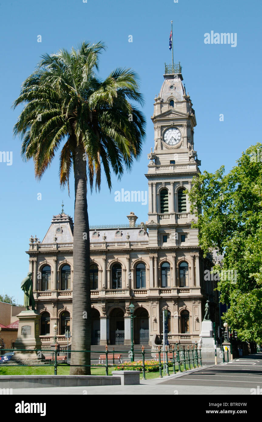 Australia, Central Victoria, Bendigo, View of post office with clock tower - Stock Image
