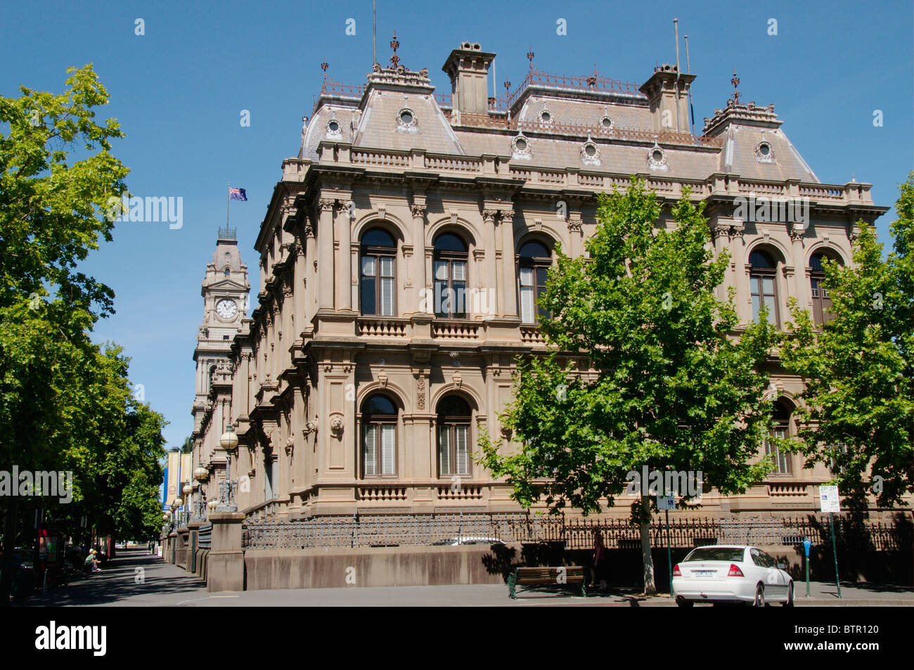 Australia, Central Victoria, Bendigo, View of post office and courthouse - Stock Image