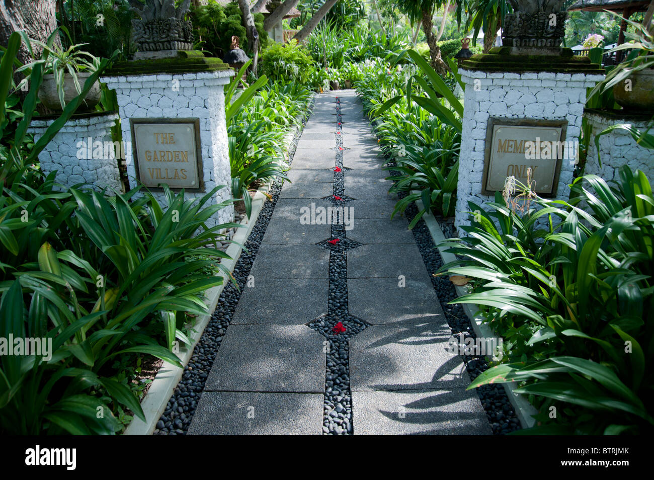Entrance To The Grounds Of The Garden Villas At The Melia Bali Hotel Stock Photo Alamy