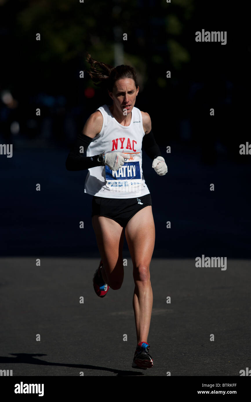 Kathy Newberry of the United States near mile 23 in the 2010 ING New York City Marathon. She finished 17th in the - Stock Image