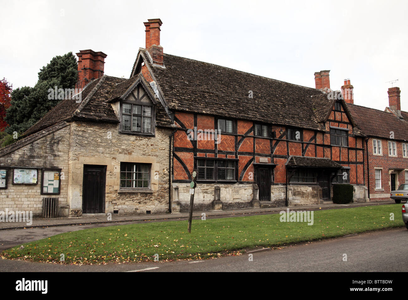 Circa Mid 16th Century timber framed cottage, Steeple Ashton, Wiltshire, England - Stock Image