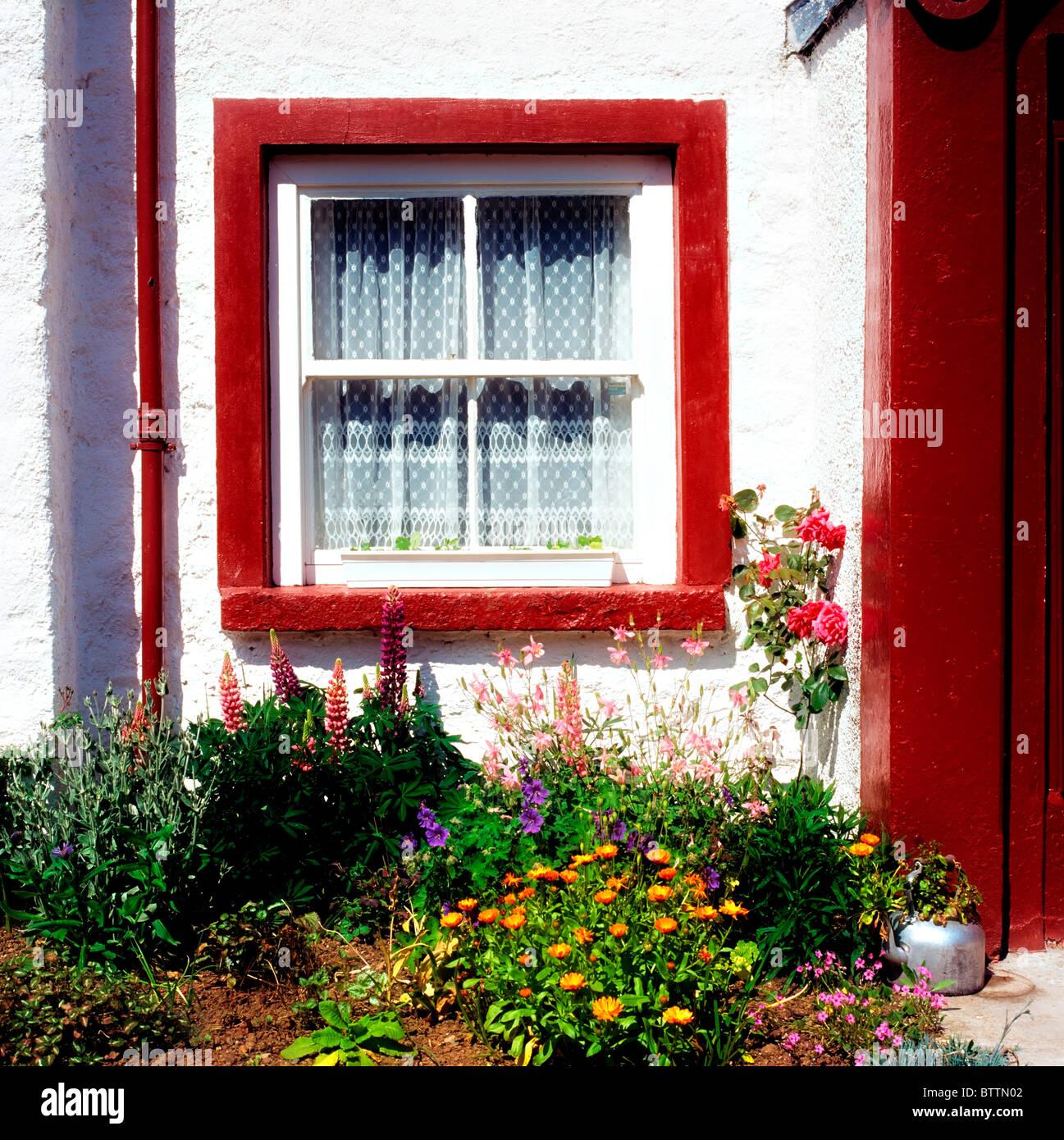 Co Down, Ireland; Cottage Window - Stock Image