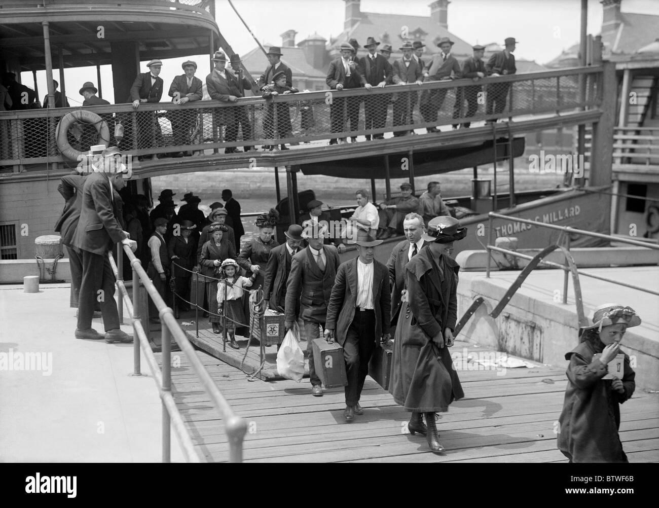 Immigrants Usa Ellis Island