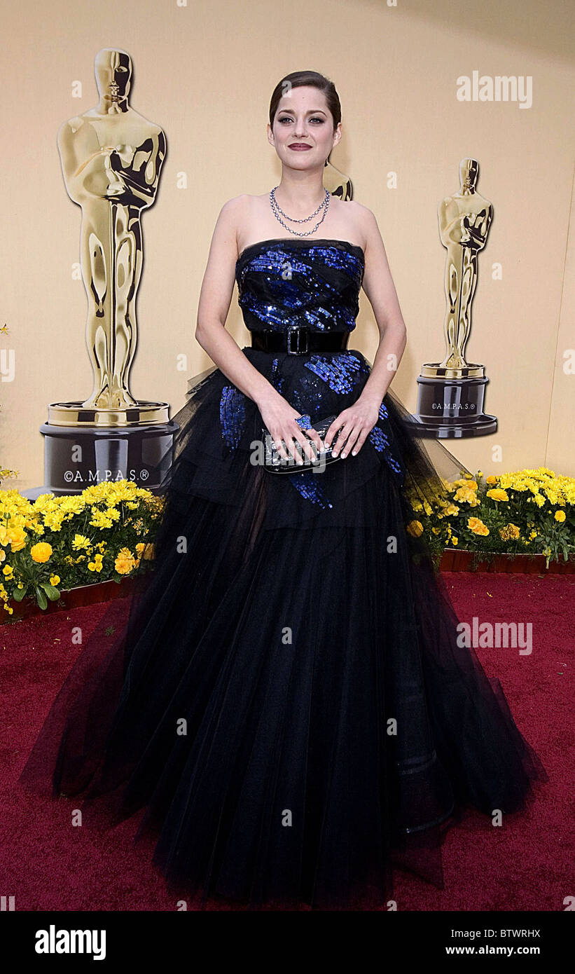 Marion Cotillard Wearing A Christian Dior Gown Stock Photos & Marion ...