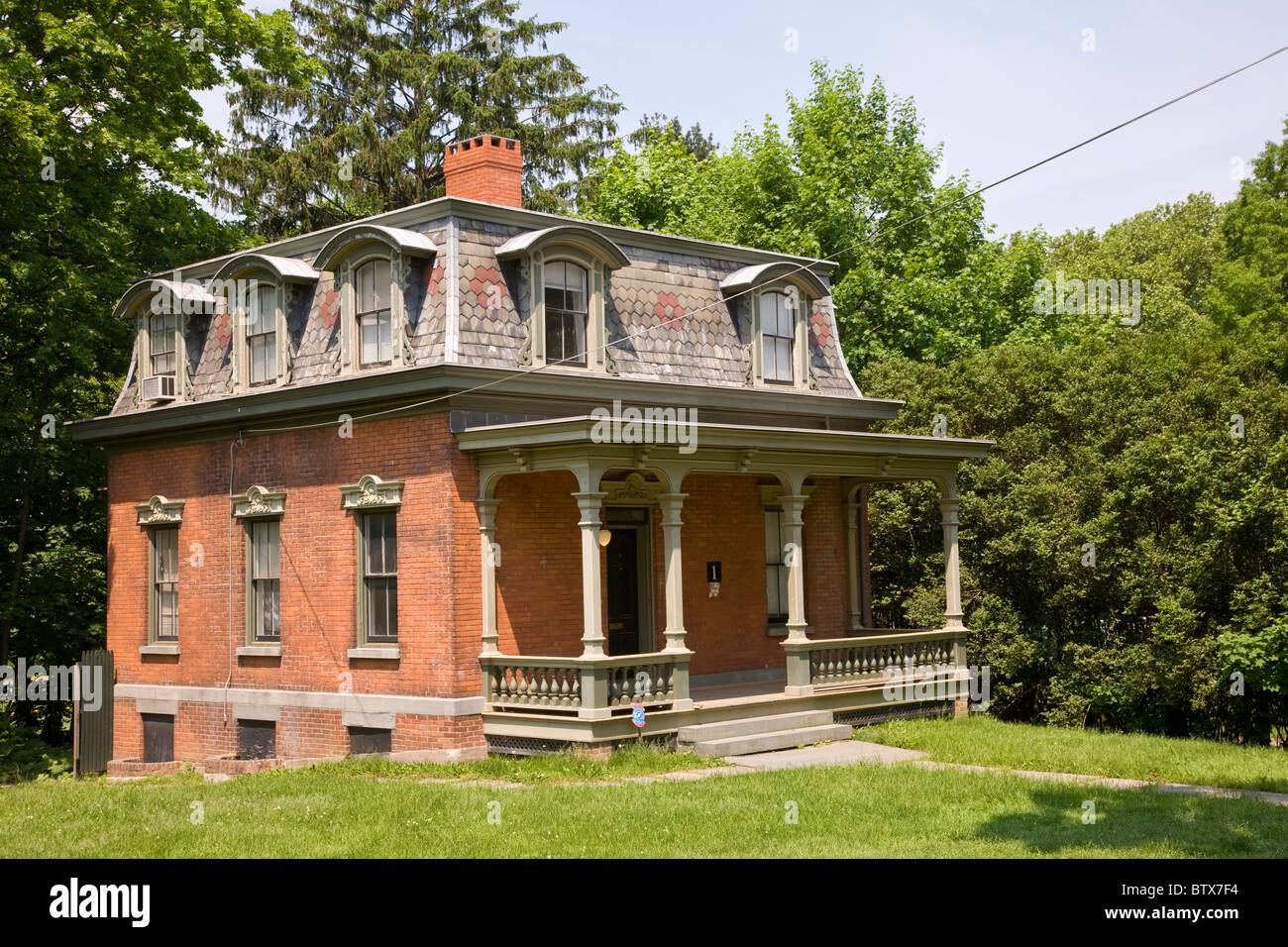 Cottage Row at Snug Harbor Cultural Centre on Staten Island Stock ...
